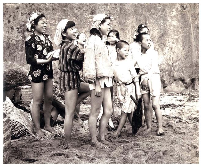Iwase Yoshiyuki - les plongeuses japonaises Ama - VERNACULAIRE