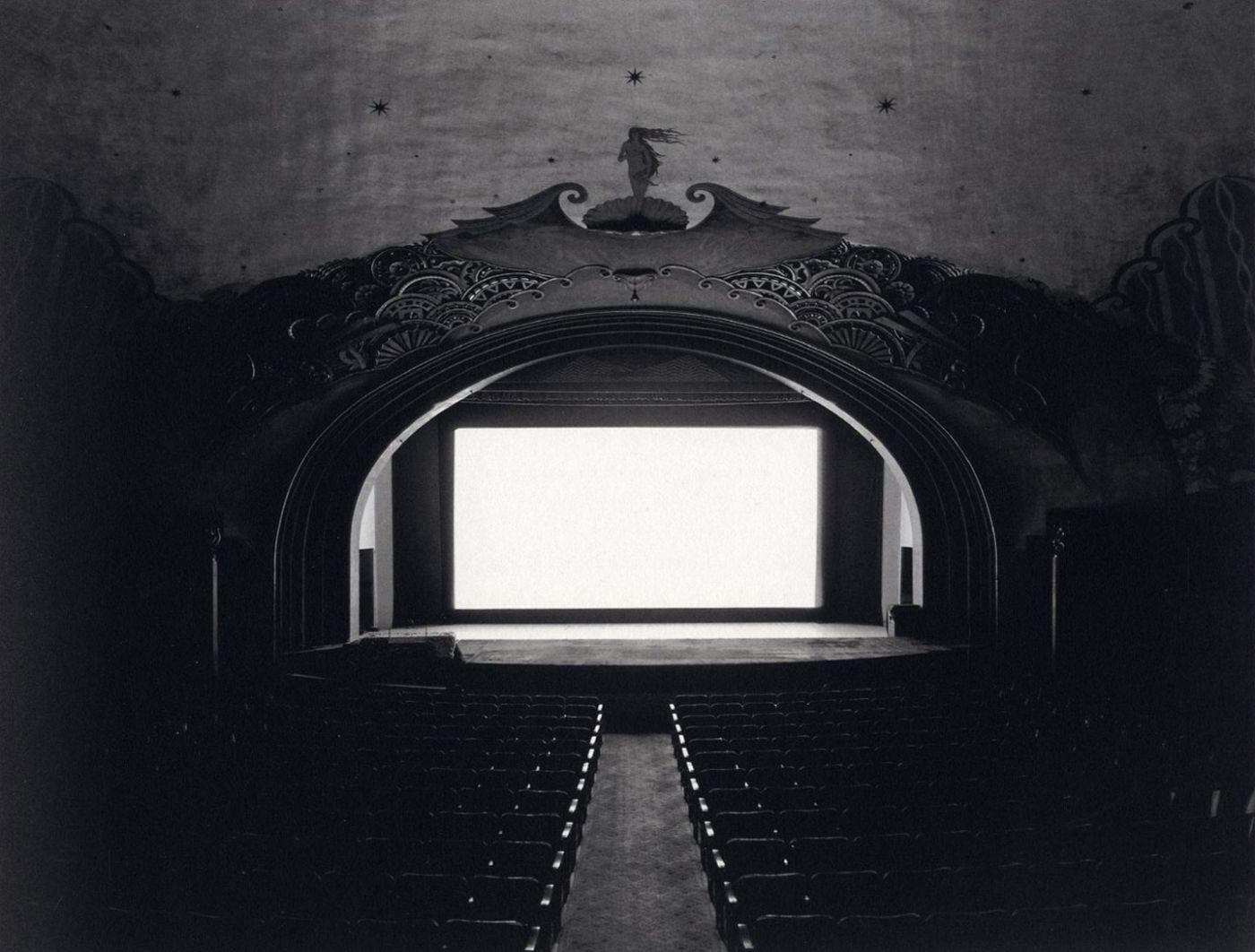 Hiroshi-Sugimoto-theater-movie