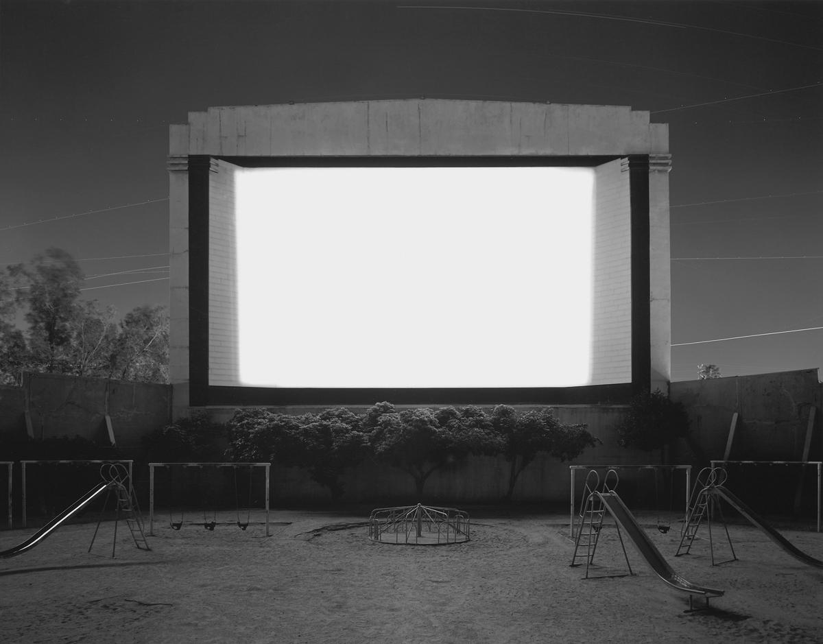 Hiroshi-Sugimoto-theater-nb