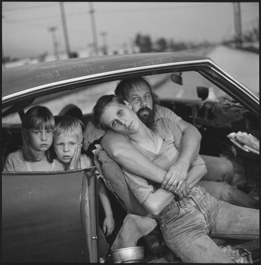 remembering-mary-ellen-mark-a-legendary-documentarian-and-mentor-to-generations-of-photographers-405-body-image-1432764491