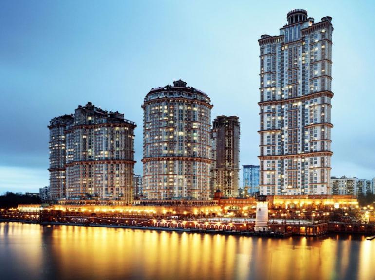 """Moscou. Complexe résidentiel baptisé """"Scarlet Sails"""" dessiné par l'architecte russe Sergey Mironov."""