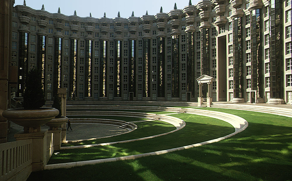 Les_Espaces_Abraxas_Marne_la_Valle_Paris_France_Ricardo_Bofill_Taller_Arquitectura_02
