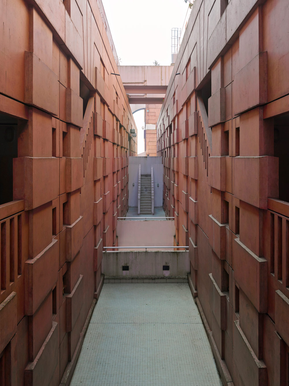 Espaces d 39 abraxas les utopies de ricardo bofill for Architecture noisy le grand
