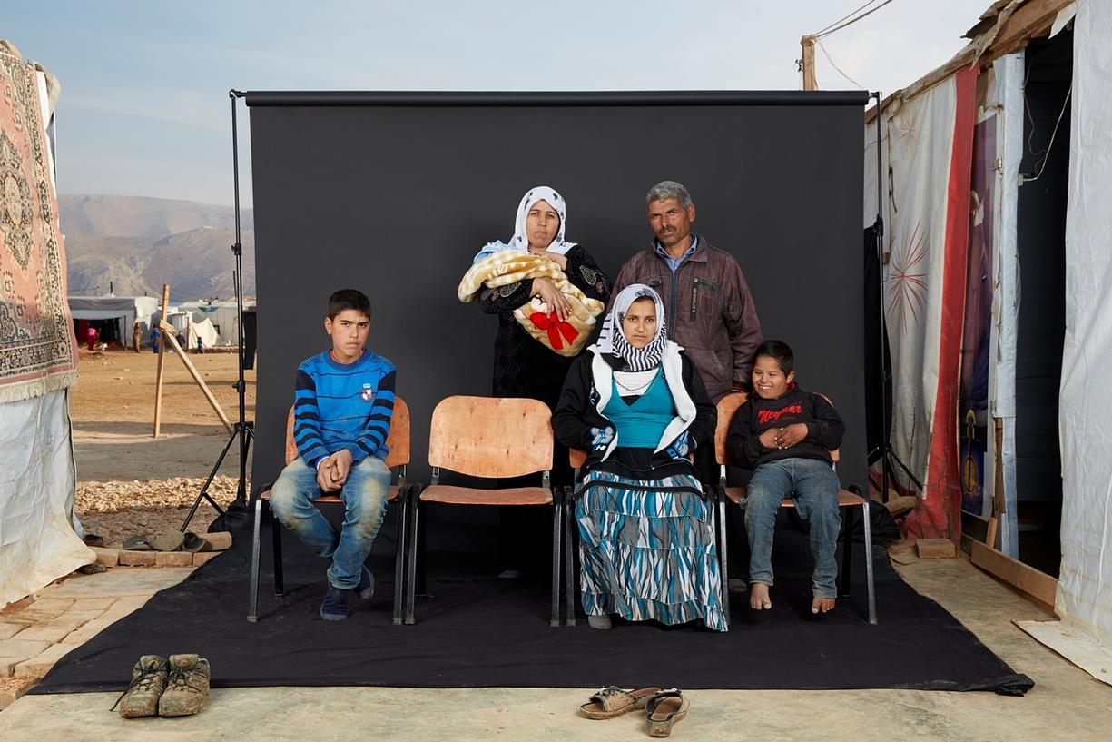 Dario Mitidieri-lost-family-portraits-syrian