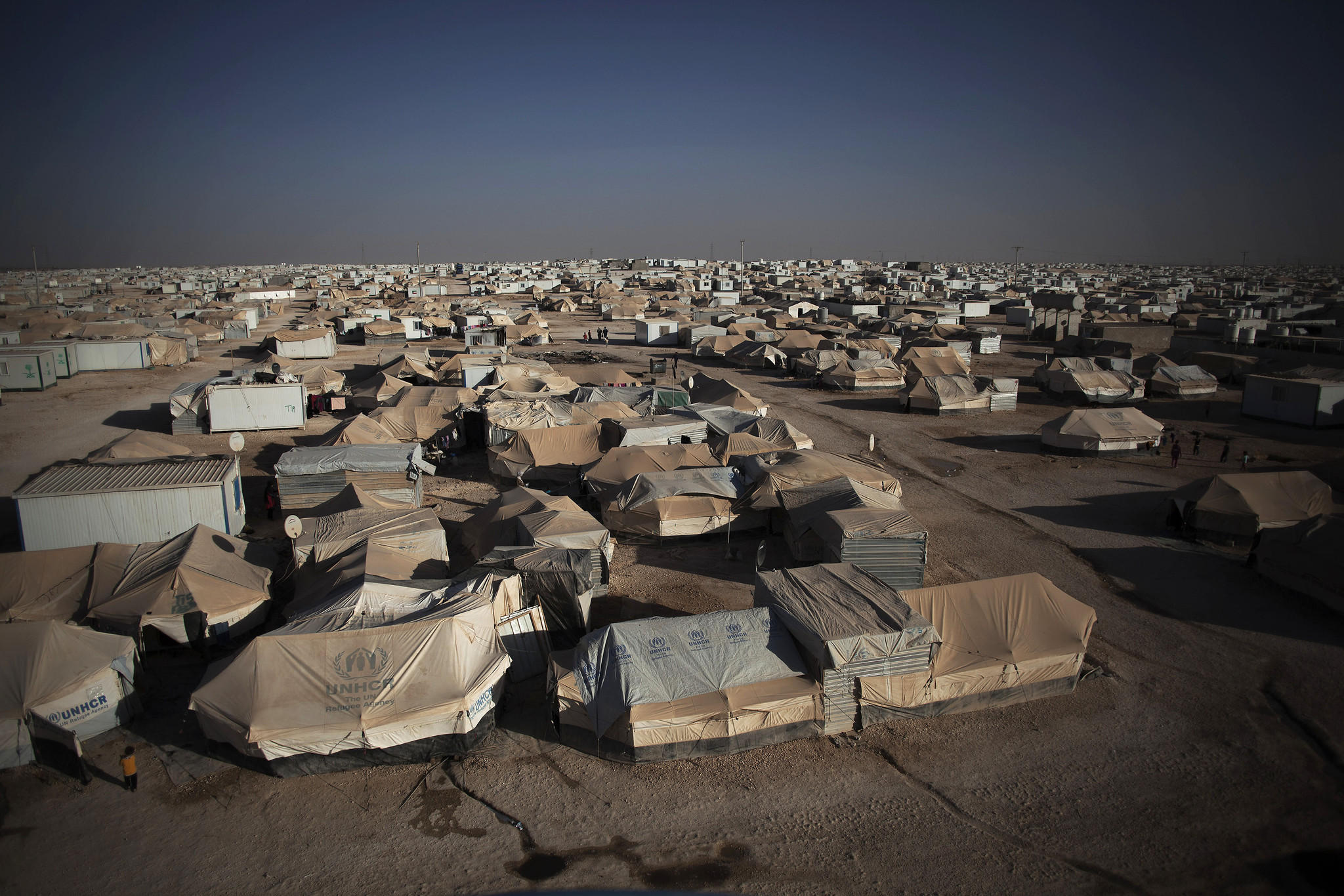 la-fg-wn-jordan-syria-refugee-camp-20140406-001