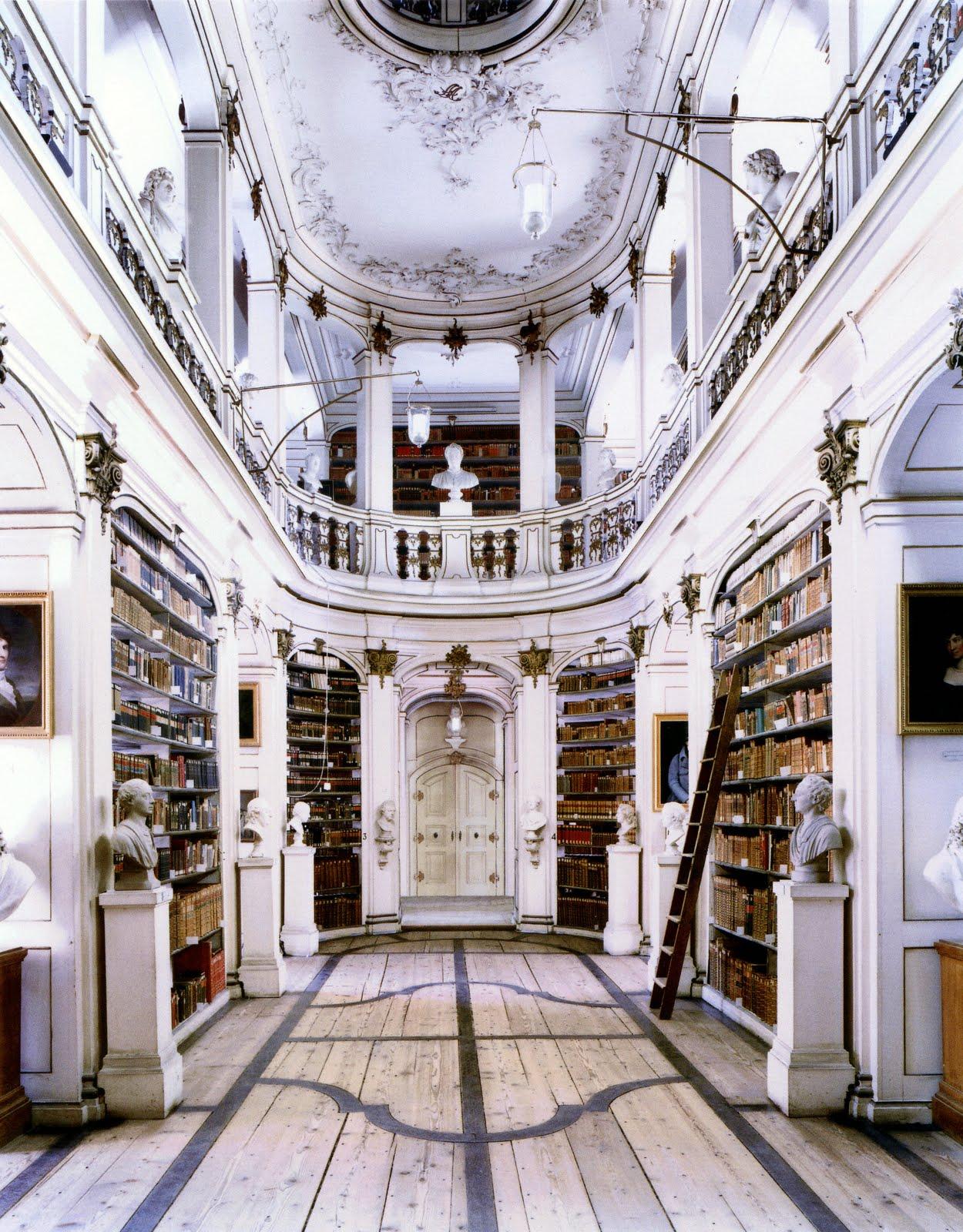 Candida-Hofer-bibliotheque-04